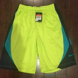Boys NWT Nike sz L neon green basketball shorts